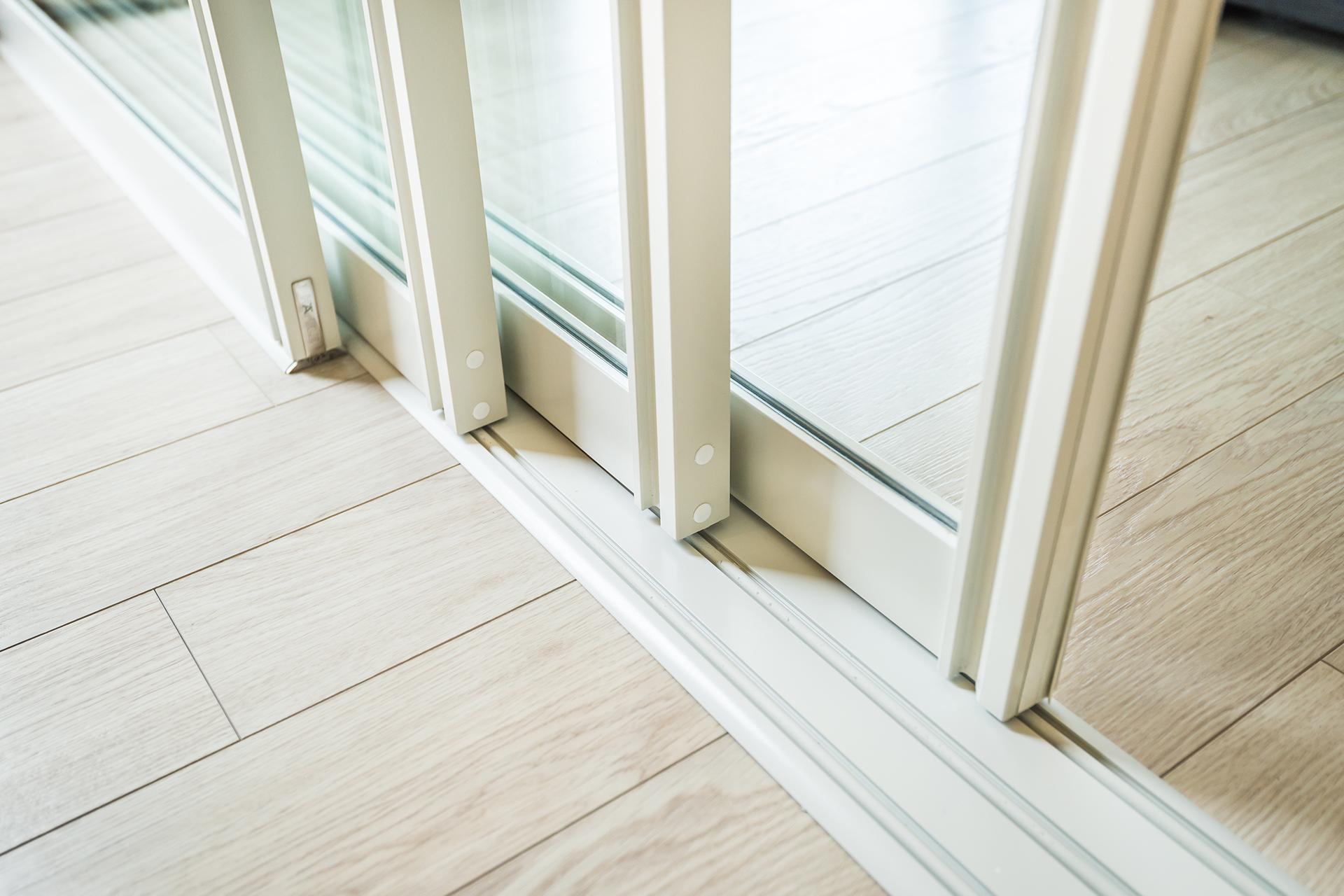 Rieser-Fenster Schiebetuer Kunststoff